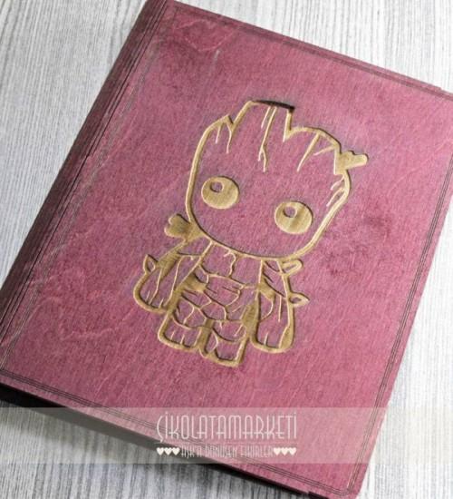 Baby Groot Logolu Ahşap Kapaklı Özel Üretim Şık Defter