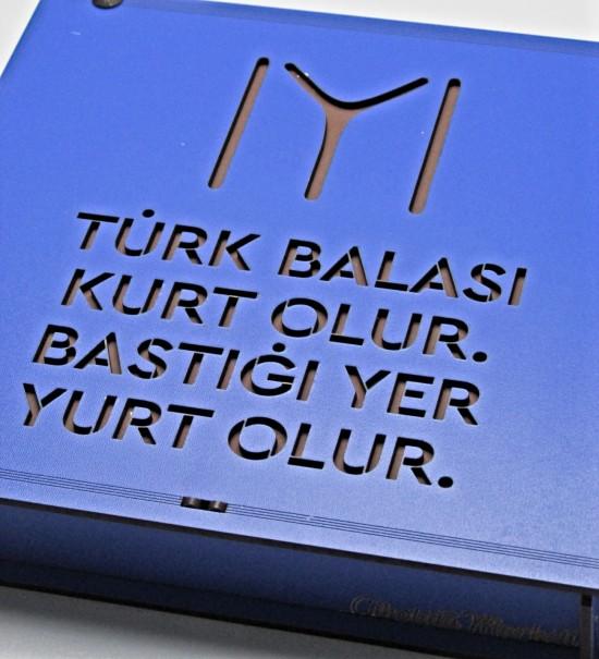 Türk Balası Kurt Olur Bastığı Yer Yurt Olur Yazılı Kayı Boyu Bayraklı Ahşap Kutulu Hediyelik Çikolata