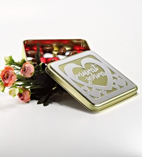 Kişiye Özel İsimli Kare Metal Kutulu Antep Fıstıklı Kalpli Çikolata