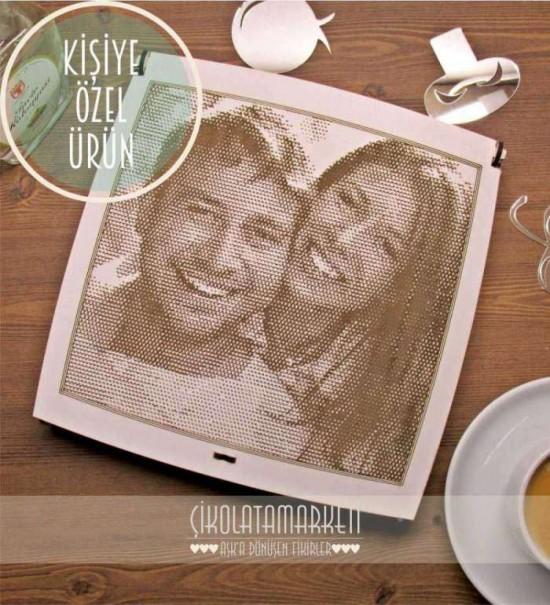 Lazer Kazıma Yöntemiyle Ahşap'a İşlenen Fotoğrafınızın Olduğu Ahşap Kutulu Hediye Çikolata