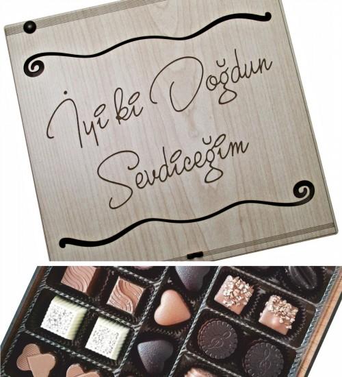 Kişiye Özel Mesajlı Ahşap Kutulu Özelleştirilebilir Hediyelik Çikolata